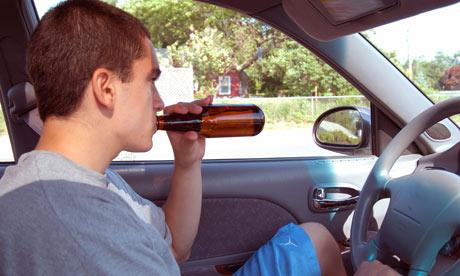 通用新车监控系统专治熊孩子:驾驶中警示,驾驶后给爸妈发报告