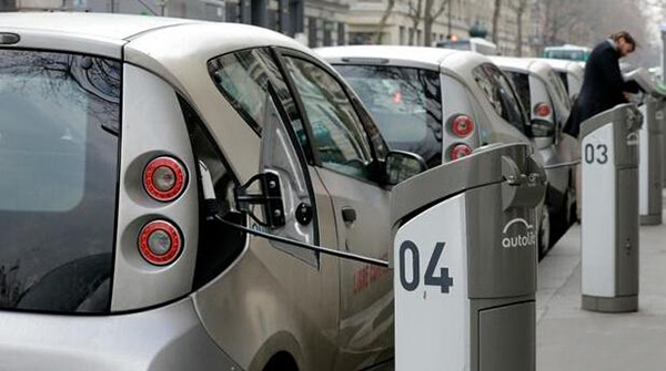 法国拟今年颁布法令统一电动车充电网络