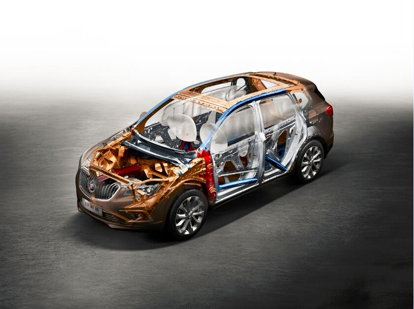 车身结构、材料及工艺设计是影响整车安全性的重要元素。昂科威采用了八横四纵的车身结构,将成员舱全方位立体包覆。同时在车身上大量采用高强度钢和镀锌板材,不仅保证安全性,并实现车身轻量化,更拥有优异的防腐性能,满足全地形复杂工况对车身强度和抗腐蚀性的要求。据悉,昂科威的车身高强度钢材比例达到75%,其中屈服强度在800Mp以上的超高强度钢材达13%,最大抗拉强度钢材达到1700Mpa,在同级车里表现突出。