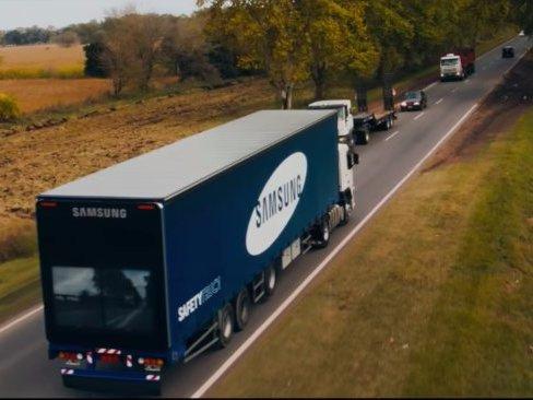 """三星推出超级卡车,为后车""""透""""视前方路况"""