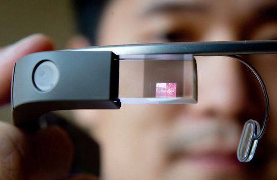 谷歌眼镜新功能,为电动车找最近充电站