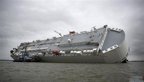 运输船搁浅殃及千辆路虎和劳斯莱斯,损失上亿英镑