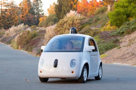 谷歌宣布完成第一辆全功能无人驾驶汽车原型