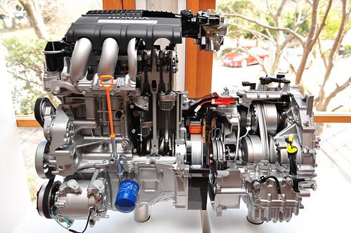 科力远技术负责人表示,混合动力总成(chs)是混合动力汽车的关键核心