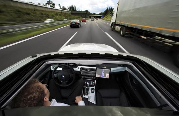 自动驾驶汽车上路,即将得到法规允许?