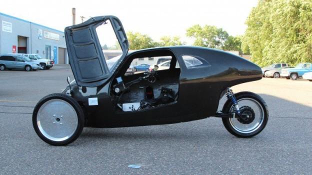Raht Racer三轮车时速媲美汽车,可上高速公路